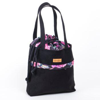 Torba - worek, z kieszenią, czarna, kwiaty piwonie - środek.