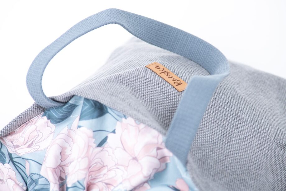 Torba - worek, szara, kwiaty - detal.