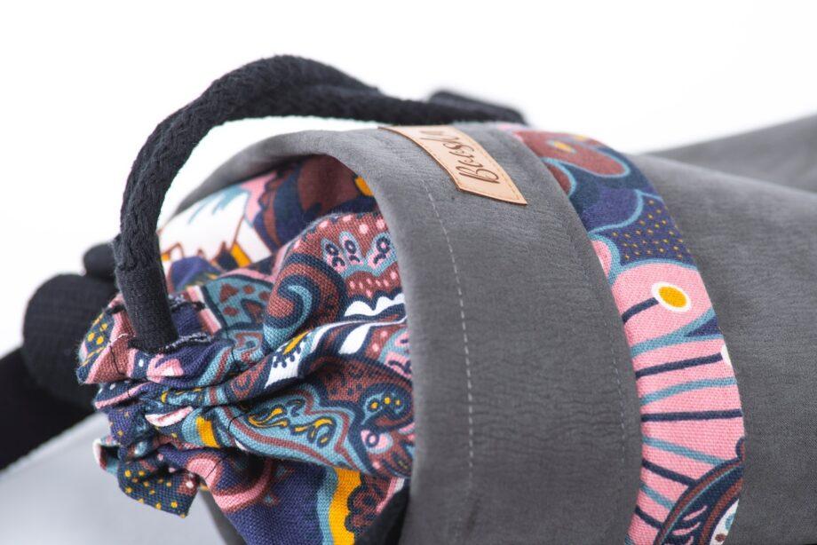 Mała torebka, z kieszenią, szara, orientalne kwiaty - detal.