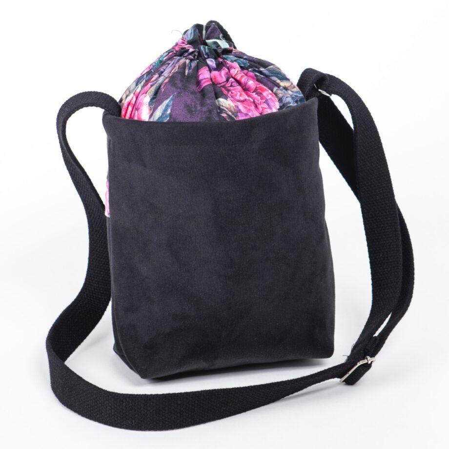 Mała torebka, czarna, piwonie - tył.
